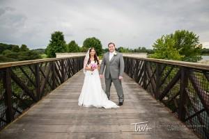 Couple celebrates late Summer wedding in Liberytville