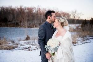 600x600 1470602925013-600x6001468944746627-lush-illinois-winter-wedding1